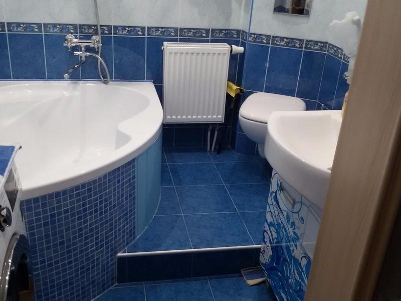 Badkamertegels Felle Kleuren : Opties voor het baden van de tegels. keramische tegels voor badkamers
