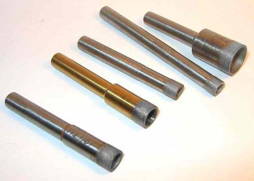 In Tegels Boren : Boor voor keramiek dient voor. rassen van kronen op keramische